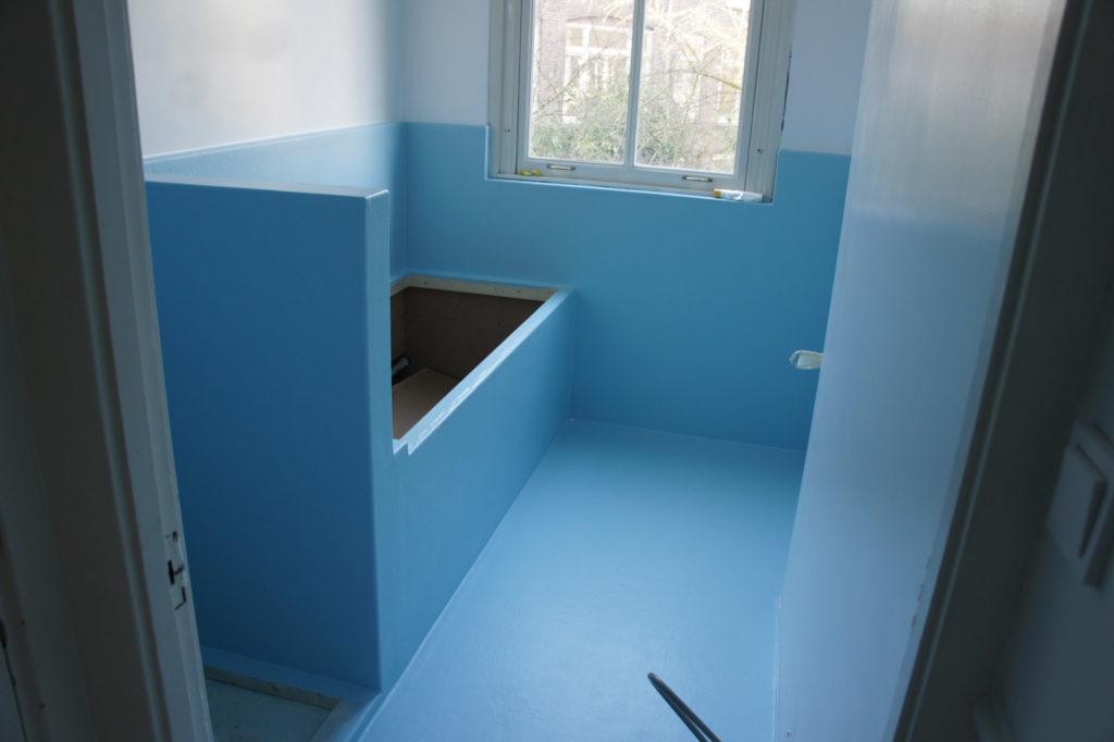 Badkamer met een vocht probleem – Polyester Sanitair. Badkamers en ...